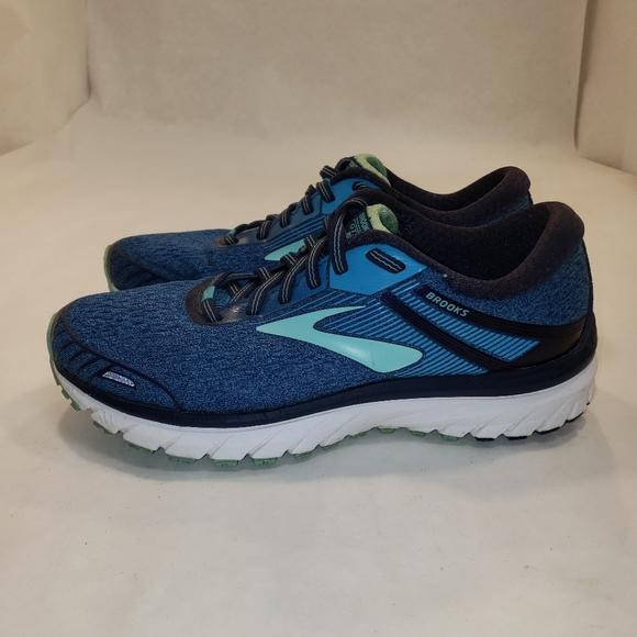 Brooks Shoes   Gts 18 Womens Size 8